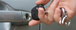 Why should you hire a car locksmith?